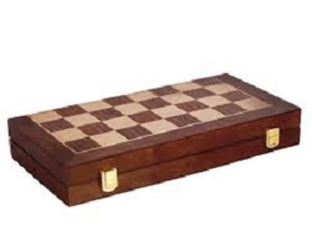 Mallette d'échecs = Chess set |